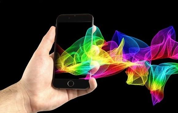 Prodeje smartphonů zásadně oživí 5G síť, věří výrobci