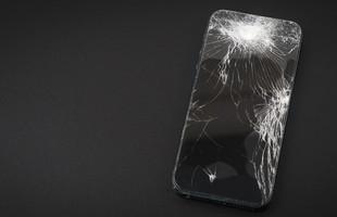 Prasklý displej na mobilu? V budoucnu by se mohl sám opravit