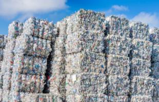 Udržitelnější silnice? Stačí přidat plast