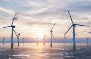 Evropa směřuje k uhlíkové neutralitě. Prim bude hrát energie z mořského pobřeží