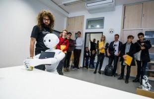 Unikátní roboti a virtuální realita čeká na návštěvníky dne otevřených dveří na Fakultě informačních technologií ČVUT v Praze