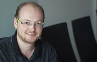 """""""Už v Java Trainee Programu jsem řešil hodně zajímavý projekt,""""  říká Petr Bartusek z EmbedITu."""