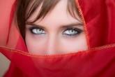 Vědci našli ženu, která vidí o 99 milionů barev více než ostatní. Podobné oči má 12 procent žen