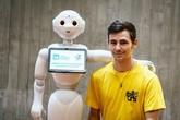 Fakulta informačních technologií ČVUT v Praze jako jediná v ČR nabízí svým studentům k výuce nové roboty Pepper