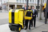 Drony v ulicích, roboti na přepážkách. Jak budou vypadat poštovní služby budoucnosti?