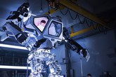 Jižní Korea vyrobila prvního obřího robota podobného těm z Avataru
